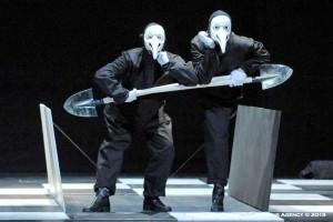 Amleto - Ana-Thema Teatro