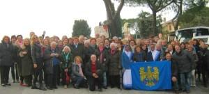 Delegazioni popolari friulane con bandiera aquileiese benedetta da Papa Francesco durante l'udienza generale del 15.I.2014 in Vaticano