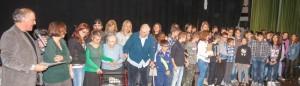Premiazione della scuola di Porpetto, che ha realizzato il lavoro coinvolgendo la casa di riposo