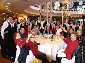 tavolo con camerieri_2013