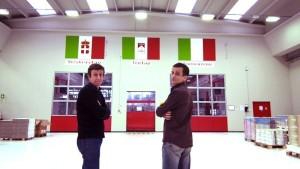 I fratelli Messina nella fabbrica Yesmoke