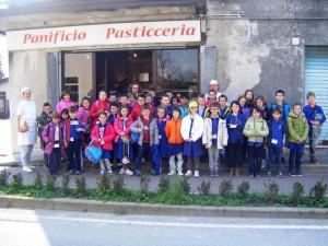 Gli alunni della scuola di San Giorgio della Richinvelda.