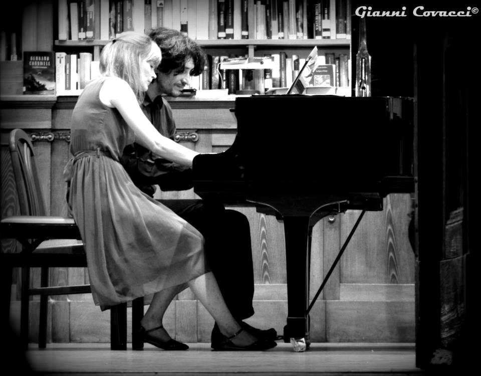 Ebony piano duo friulionline for Pianificatore di piano online