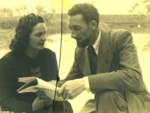 Ettore Busetto legge le sue poesia alla moglie Caterina