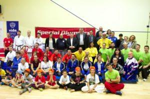 foto_di_gruppo_giornata_sport_inclusivo_latisana