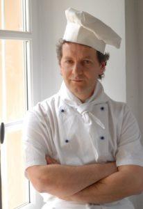 a far conoscere largomento sar giovanni allegro chef con esperienza di lunga data dal 95 allistituto nazionale tumori di milano in qualit di docente